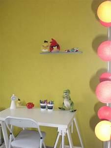Petite Guirlande Lumineuse : chambre vert anis photo 4 6 petite guirlande lumineuse pour le soir ~ Teatrodelosmanantiales.com Idées de Décoration