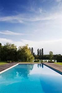 18 Dazzling Modern Swimming Pool Designs