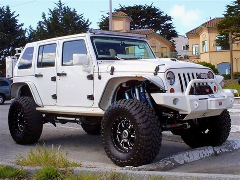 best 25 jeep rubicon ideas on lifted jeeps 2014 jeep rubicon and lifted jeep rubicon