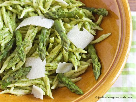 recette de pates au pesto vert p 226 tes au pesto d asperges vertes jardin des gourmandsjardin des gourmands