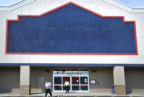 lowes in nh lowe s closings will cost nh 279 jobs new hshire