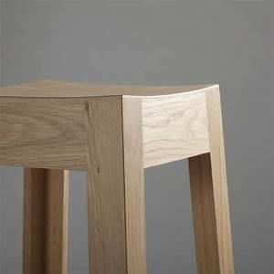 Tabouret Bois Design : tabouret bois massif design bricolage maison et d coration ~ Teatrodelosmanantiales.com Idées de Décoration