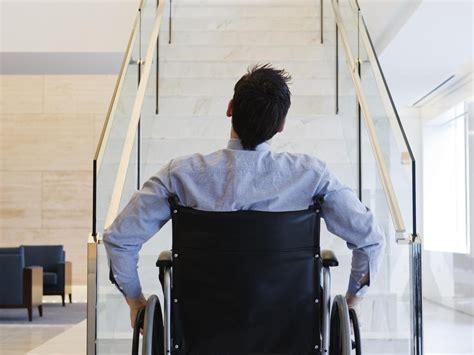 innovation le grimpeur d escaliers pour fauteuil roulant