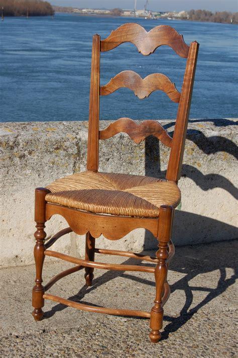 galette de chaise provencale chaise provençale en noyer de 38 757