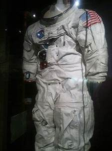 1000+ images about Spacesuits on Pinterest | Space suits ...