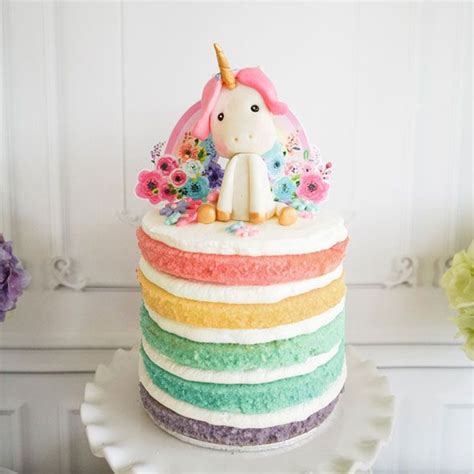 unicorn cake ideas 17 best ideas about unicorn cake topper on