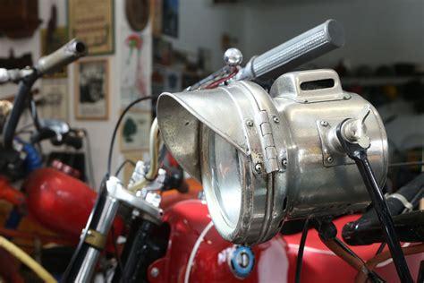 Alfrēds Zamockis un viņa 365 motocikli