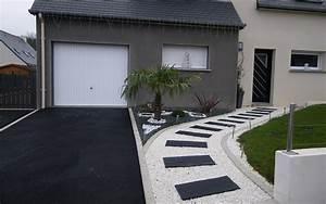 enrobe pour allee de jardin cour ou acces de garage par With amenager une entree exterieure de maison 4 amenagement exterieur maison 886 photo deco maison