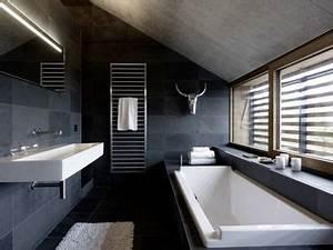 salle de bain sous combles finest awesome affordable With comment peindre sa baignoire