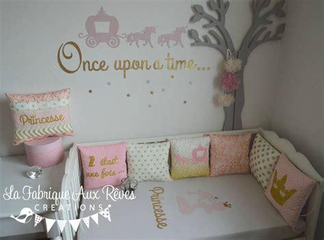 deco fee chambre fille décoration chambre enfant bébé fille princesse conte de fée doré tour lit stickers coussin