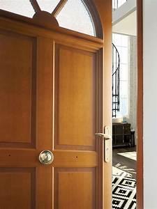 la porte dentree bois atlantem pour un style authentique With isolant pour porte d entrée