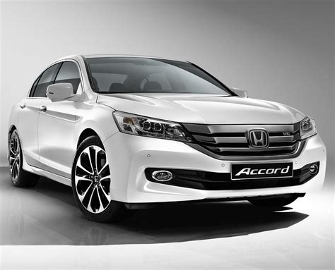 The Comparison Between Ford Fusion And Honda Accord For 2015