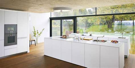 prix cuisine bulthaup b1 cuisine d exposition bulthaup photo 20 20 les surfaces sont en vernis blanc alpin les