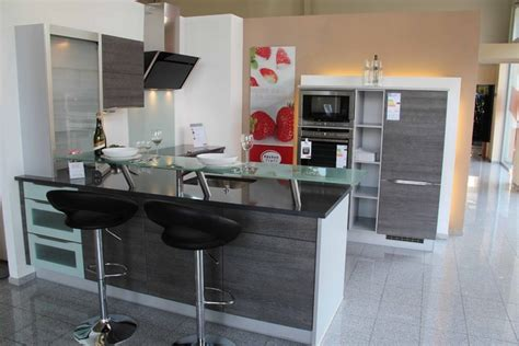 Nobiliamusterküche Lküche Mit Glastheke