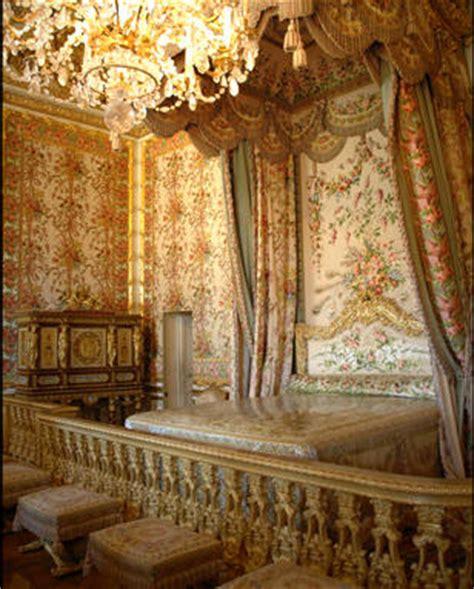 la chambre de la reine passage secret dérobée dans la chambre de la reine à