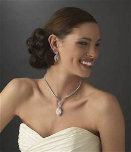 necklace ideas for different wedding dress styles the With jewelry for sweetheart neckline wedding dress
