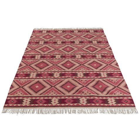 tappeti fucsia tappeto etnico geometrico fucsia offerte tappeti