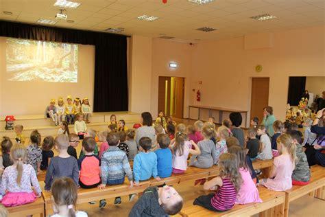 Ar izrādi 'Sēņu sacensības' ciemojamies Zaķumuižas pamatskolā - Pirmsskola