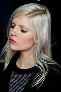 couleur de cheveux blond nordique coloration des cheveux With quelle couleur avec gris anthracite 16 les couleurs du maquillage avec des cheveux blancs