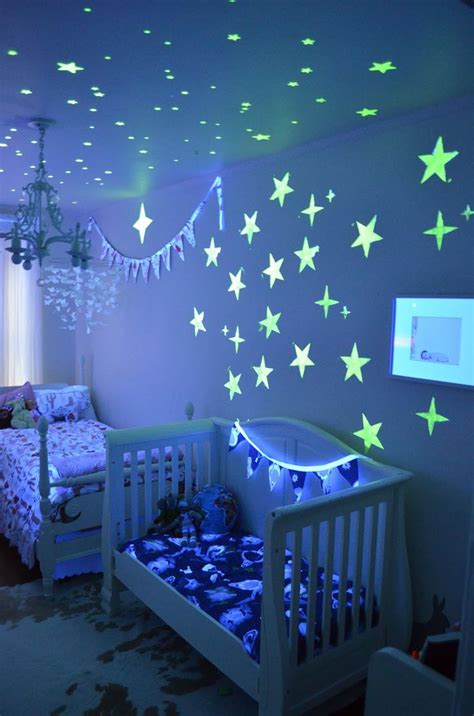 outer space bedroom best 25 outer space bedroom ideas on pinterest outer 12757 | 44fef89f063812e0e20d2b6a948f6ba4 kid bedrooms girls bedroom