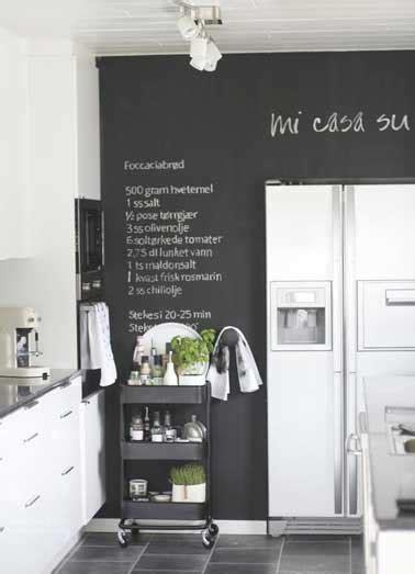tableau craie cuisine 7 idées déco pour s 39 amuser avec de la peinture tableau noir