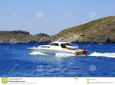 Fast Wake Boats by Fast Motor Boat With Splash And Wake Stock Image Image