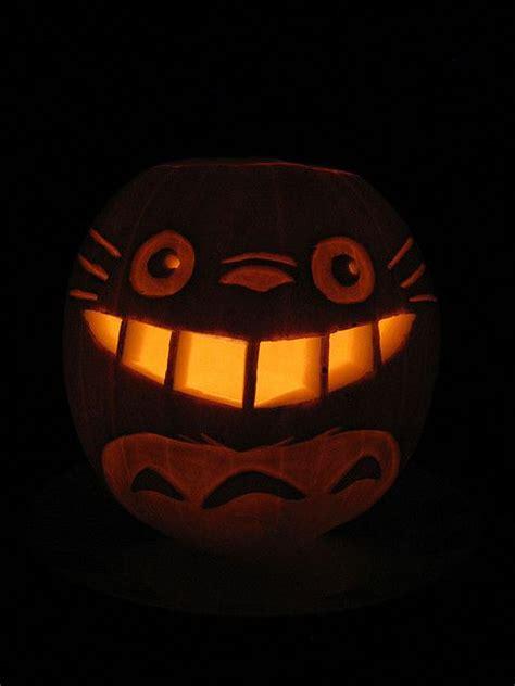 totoro1lit   Pumpkin carving, Pumpkin stencil, Halloween ...