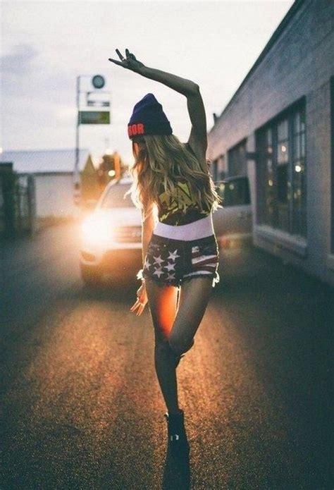 hot hipster girls    rethink  barnorama