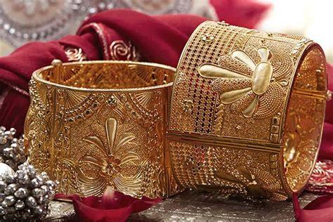 stunning tanishq wedding jewellery pieces  dazzle