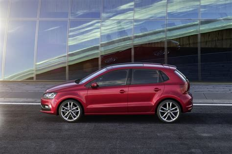 In the bs6 era, the polo is powered by 999 cc petrol engine which produces 75bhp of. Volkswagen Cars - News: 2014 Polo face lifted with new tech