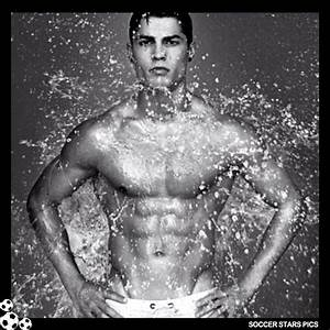 Soccer Stars Pics: Cristiano Ronaldo Without Shirt