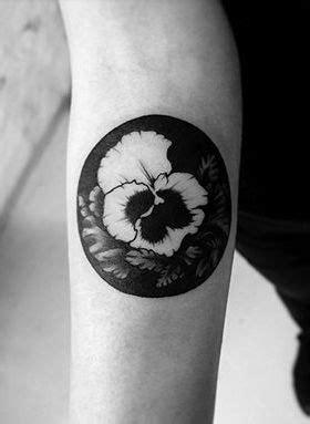 48 Charming & Unique Circular Tattoo Designs - TattooBlend