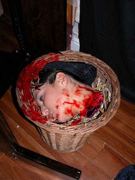 Fantasy Beheading Guilloteen Axe And Block Manips