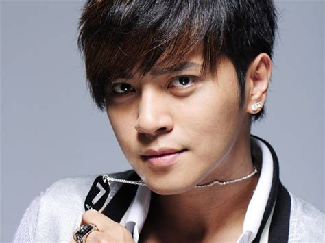 show luo  revealed  girlfriend shes  influencer