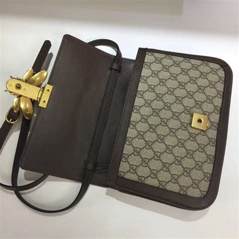 gucci queen margaret gg supreme medium shoulder bag  brown