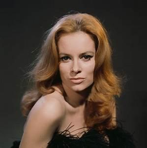 Fiona Volpe (Luciana Paluzzi) – Club James Bond France
