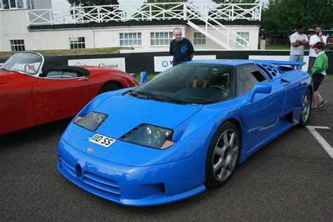 This video includes a top speed run, an acceleration run, some racing with other. Bugatti EB 110 - Wikiwand