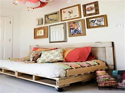 diy charming pallet daybed ideas  pallets