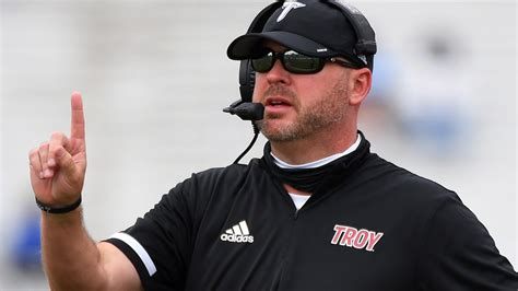 Troy coach Chip Lindsey tests positive for COVID-19