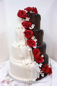 beautiful his and designer wedding cakes