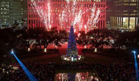 thabksgiving tree lighting housron the mayor s celebration tree lighting 365 houston