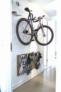 Wandbefestigung Schrank Aufhängen : stylish apartment entry storage solution ideas editor 39 s choice inspiring ideas pinterest ~ Markanthonyermac.com Haus und Dekorationen