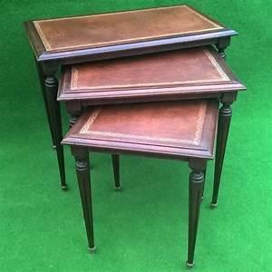 Table Basse Ancienne : ancienne tables basses gigogne bois et plateau cuir ~ Dallasstarsshop.com Idées de Décoration
