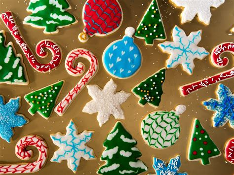 Do you love christmas, sweets and mickey mouse? A Royal-Icing Tutorial: Decorate Christmas Cookies Like a ...