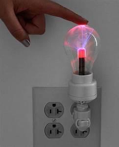 High Tech Gadget : 10 high tech gadgets you need in your bedroom brit co ~ Nature-et-papiers.com Idées de Décoration