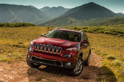 jeep cherokee green 2017 2017 jeep cherokee reviews and rating motor trend