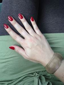 Red oval nails | Hair & Nails | Pinterest | Oval nails ...