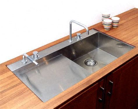 installer evier cuisine immobilier travaux poser un évier de cuisine