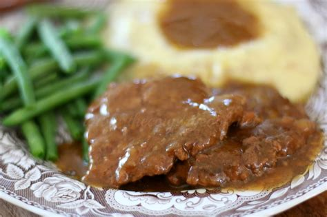 what is cube steak crock pot cubed steak with gravy the country cook