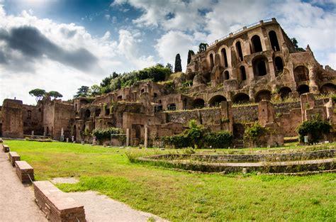 foto de Roman Forum Ruin in Rome Thousand Wonders